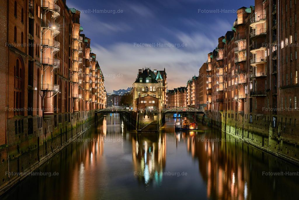 12039411 - Wasserschloss bei Nacht
