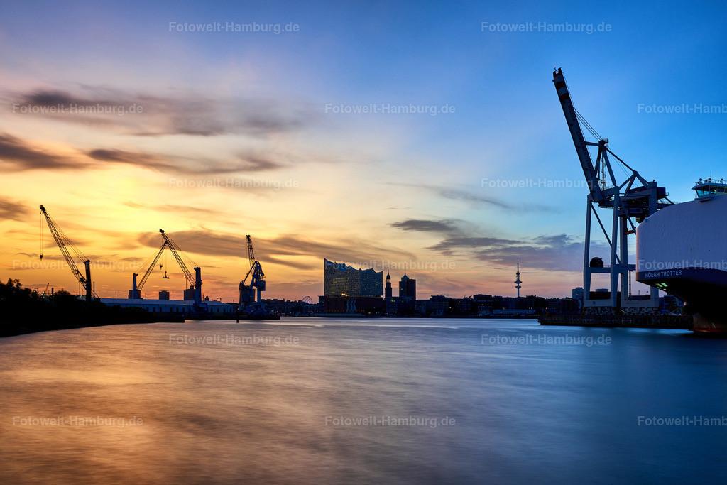 10190807 - Abendlicht im Hafen | Blick über den Hansahafen Richtung Elbphilharmonie.