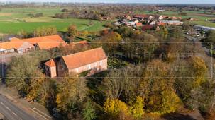 05497_5 | Luftaufnahme der Friedenskirche in 26556 Westerholt, Dornumer Straße, Samtgemeinde Holtriem, Landkreis Wittmund