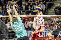2016_013_OlympiaQualiDeutschland-Polen | Angriff Polen BIENIEK Mateusz (#9 Polen) gegen BROSHOG Tim (#15 Deutschland)
