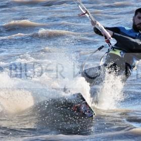 Kitesurfing Bilder vom Mar Menor | Kite Surfer voll im Wind