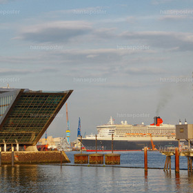 Queenmary 2 mit Dockland