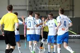 Foto: Michael Stemmer | © Michael Stemmer Floorball 2. Bundesliga Playoff Halbfinale Datum: 1.4.2017 Blau-Weiß 96 – Saalebieber Halle  Jubel: Nach dem 1:1 Ausgleich für  (BW 96)