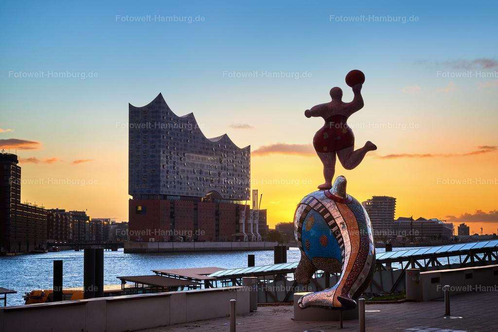 12013513 - Tagesanbruch | Morgenstimmung an den Musicaltheatern im Hafen