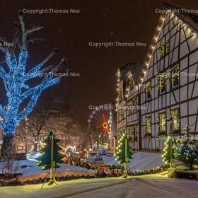 Weihnachtsmarkt_2017   Bensheim, Weihnachtsmarkt, Schnee, Adventstimmung, Fussgaengerzone, Riesenrad,  Winter, ,, Bild: Thomas Neu