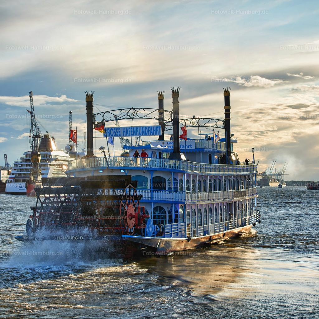 12004866 - Hafenrundfahrt | Die Louisiana Star bricht zur Hafenrundfahrt auf
