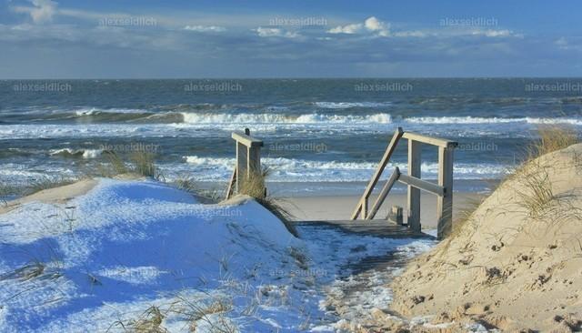 Strandaufgang Sylt im Winter