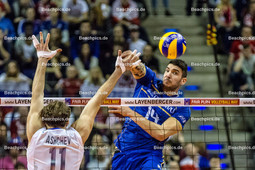2016_174_OlympiaQuali_Finale_Frankreich-Russland | Angriff LE GOFF Nicolas (#14 Frankreich) gegen Block ASHCHEV Andrey (#11 Russland)