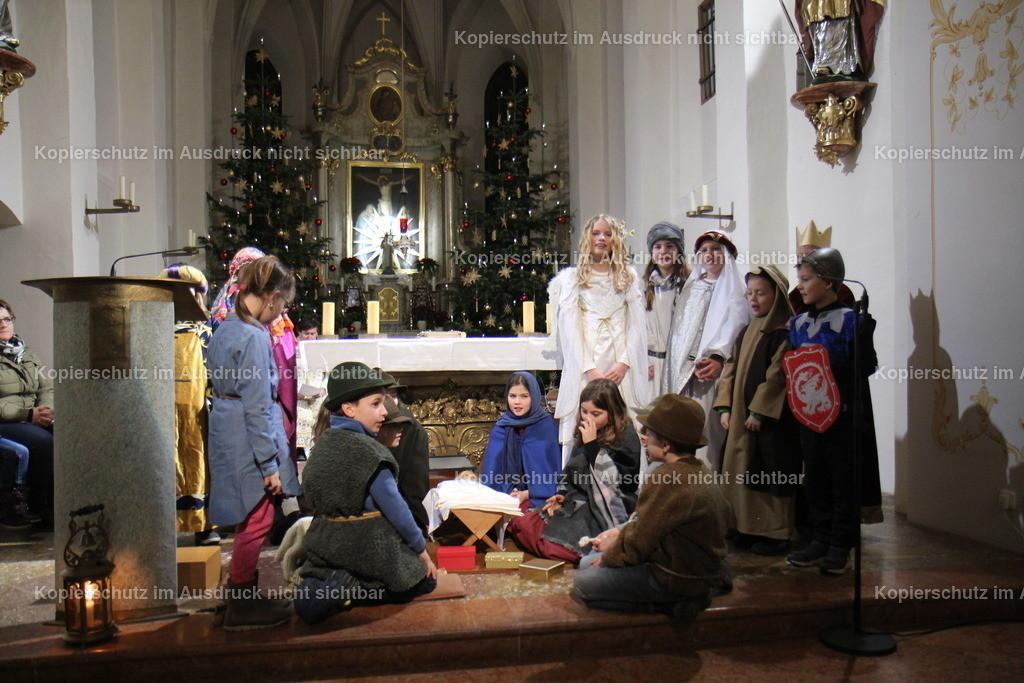 2018_12 Binabiburg Weihnachten 24 Adventsfenster Foto Rudi Plinninger -048