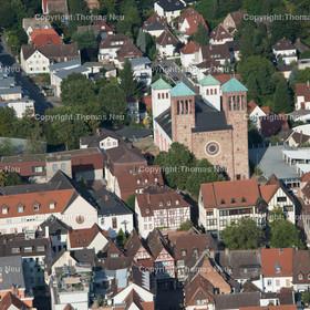Bensheim_Innenstadt_2016 | Bensheim,Innenstadt, Kirche Sankt Georg, Haus am Markt, ,, Bild: Thomas Neu