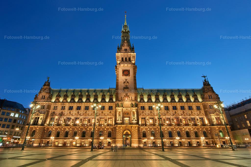 12008784 - Hamburger Rathaus bei Nacht