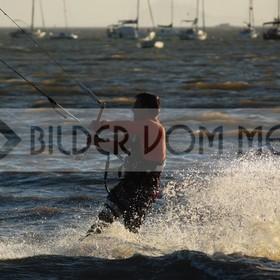 Kitesurfen Bilder Mar Menor, Spanien | Kitesurfer bei Sonnenuntergang